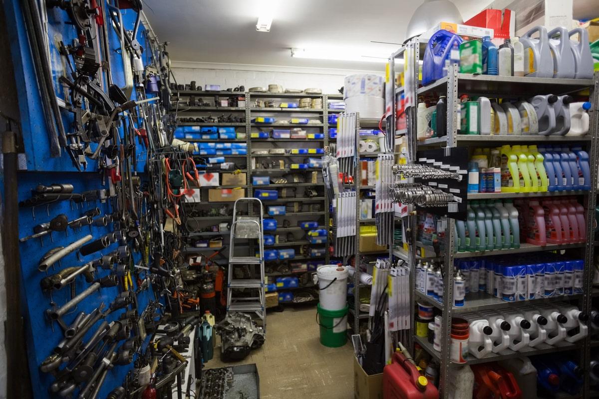 Organizarea magaziei de scule - Criterii de organizare si spatii de depozitare